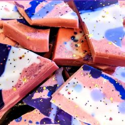 Damson gin brittle wax melts scented in sweet fragrance