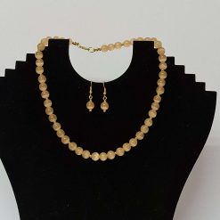 A beautiful pale peach semi precious gemstone bead necklace