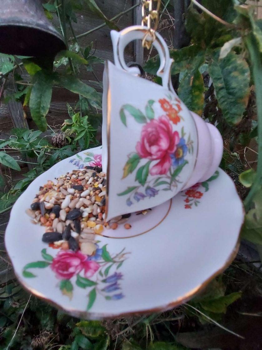 "Vintage teacup bird feeder ""Connie"""