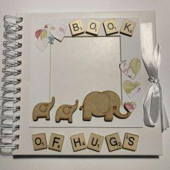 Book of Hugs Photo Album / free p.p (A)