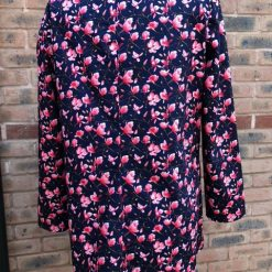 Beautiful Ladies Navy Tunic Top with pretty floral print size 12 1