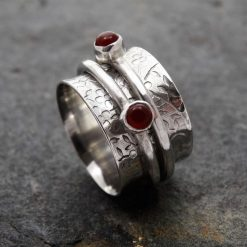 Flower Embossed Double Band Spinning Ring