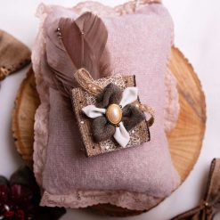 Vera - Country style brooch or hair accessory. With or without feathers