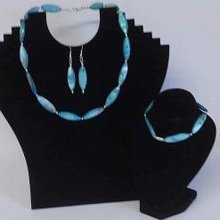 A beautiful semi precious gemstone black onyx necklace