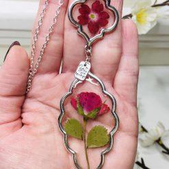 Double Flower Pendant Necklace