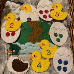 Five Little Ducks Storytelling Set - Children's Finger Puppets