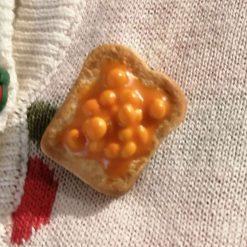 Beans on toast brooch