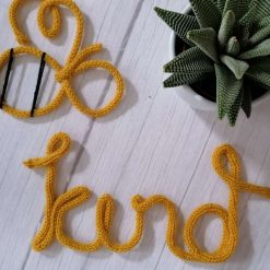 Handmade Be kind knitted wire writing wall hanging decor