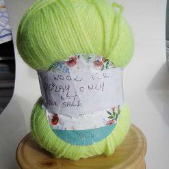 Wool dispenser in Rhobinia and Teak
