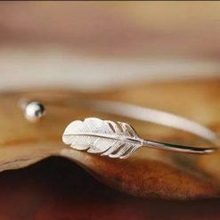 Veren feather bracelet
