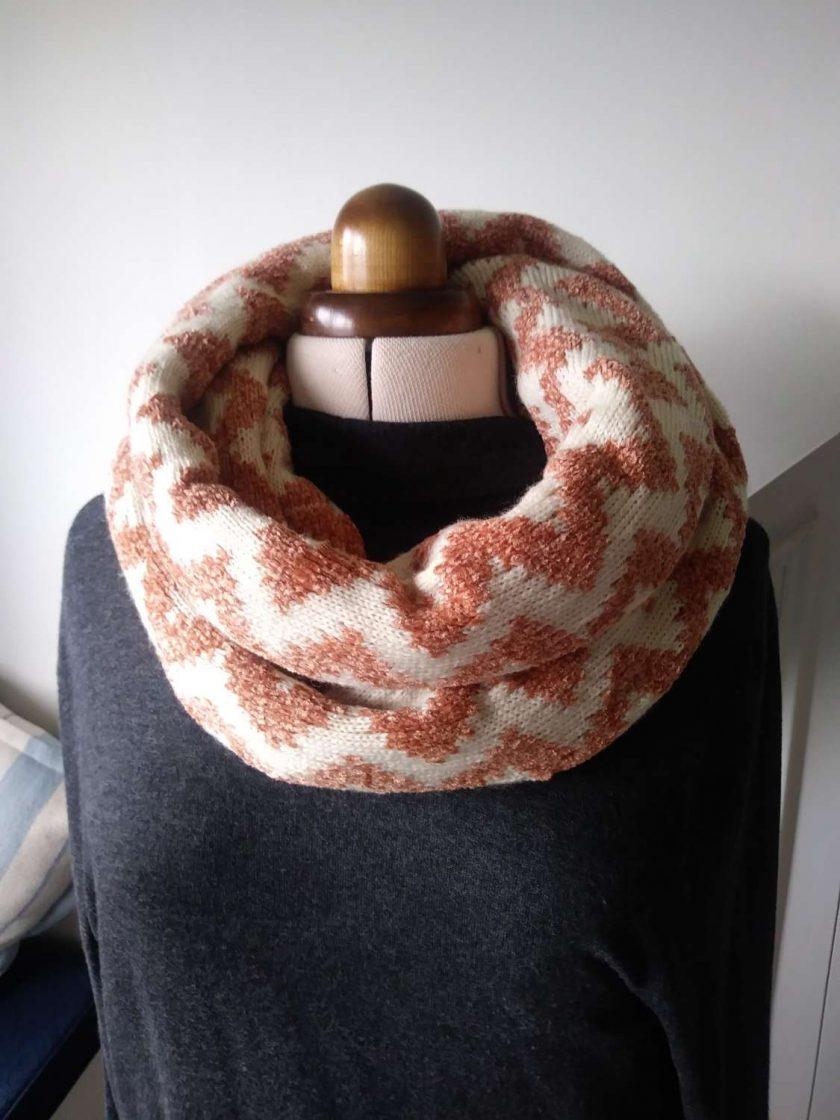 Infinity scarf Zig Zag pattern