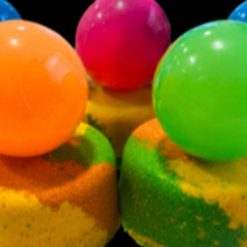 Cookies and cream  bathbomb with flashing ball