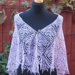 Handmade knitted triangular laced alpaca/silk pink shawl, flower pattern