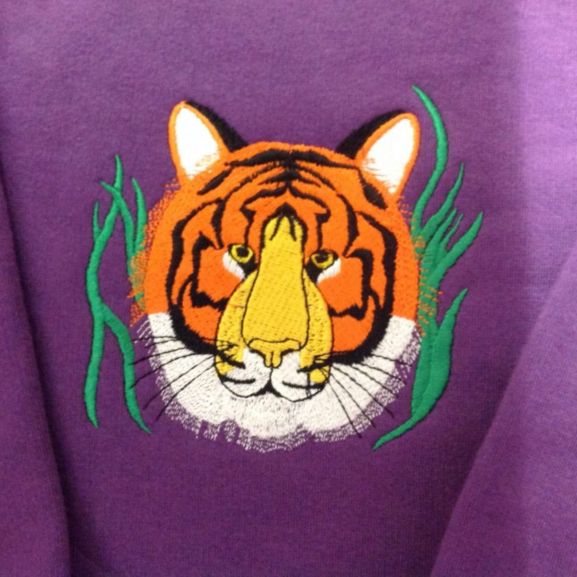 Embroidered tiger face sweatshirt mauve age 7/8 years