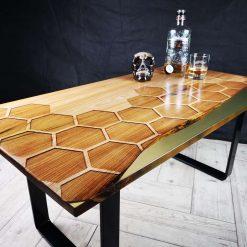 Bumblebee table