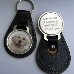 Personalised Golden Retriever keyring with free engraving and free post to UK