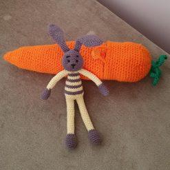 Easter bunny and carrot, Easter crochet bunny, bunny colectible,  crochet bunny and carrot, handmade bunny, handmade carrot