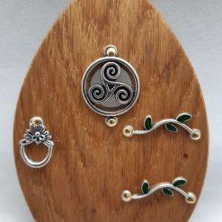 Fairy Door Wooden Celtic Triskelion Garden Tree Home Hand Made Cornish Oak