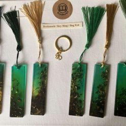 Resin bookmark/keyring/bag fob
