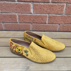 Yellow Winnie the Pooh loafers Size UK 7