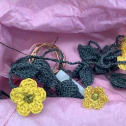 Daisy chain light garland package
