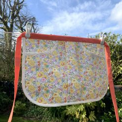 Apron with pockets - perfect for pegs, crafting...