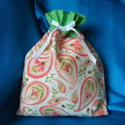 Reusable fabric gift bag (pink paisley white ribbon)