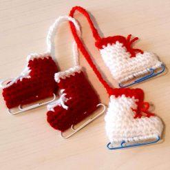 Crochet mini kit - Christmas ice skates