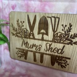 """Lovely, outdoor """"Mums Shed"""" Sign"""