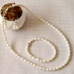 A beautiful freshwater cultured pearl set
