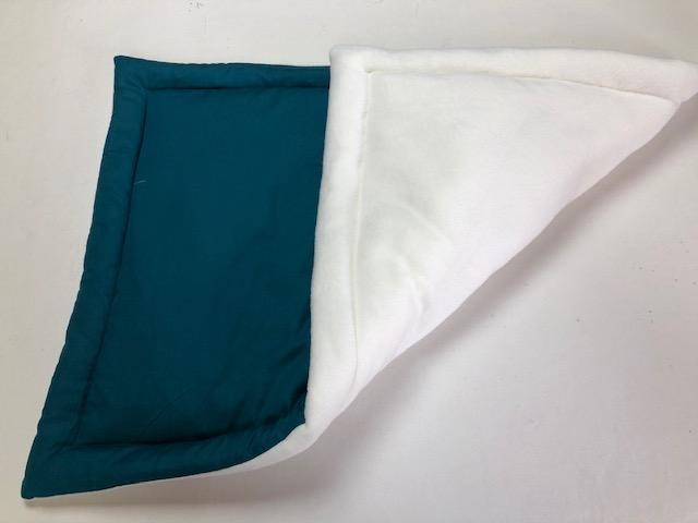 Pet mat 98cm x 70cm Cream fleece and dark grey polycotton