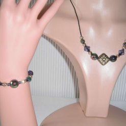 Black Cream Antique Gold Necklace & Bracelet Set