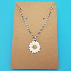 Daisy Necklace   Daisies Tibetan Silver Birthday Christmas Mothers Mother's Day Valentine Anniversary Easter Jewellery Floral Gift Ideas   Charming Gifts