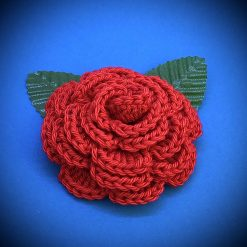 Handmade crochet rose flower brooch in 100% cotton yarn