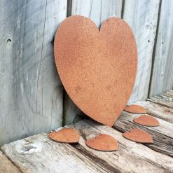 A Rusty Metal Solid HEART + 5 x SMALL HEARTS Garden Ornament Rustic Vintage Gift Birthday Special Present