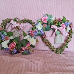 WREATHS - Pair of wicker hearts with flowers & ivy lights