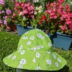 Child's reversible sun hat.