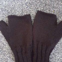 Black fingerless gloves (one-size)
