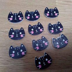 10 black wooden cat buttons 2cm