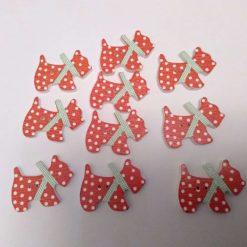 10 red wooden dog buttons  2cm 55A