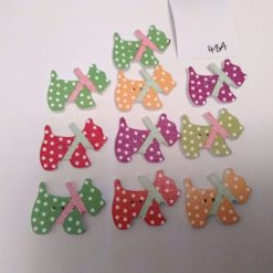 10 wooden dog buttons in a mix of colours 2cm 48A