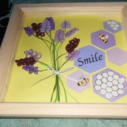 Paper quilled bee themed picture