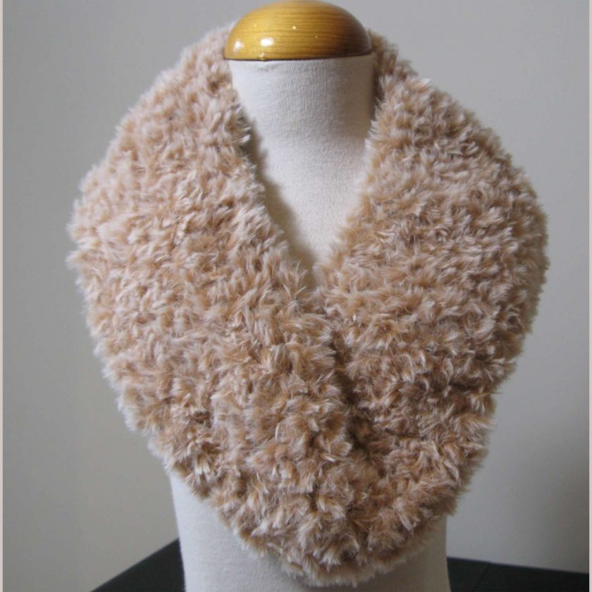 Girls Faux Fur neck warmers by SerendipityGDDs for age 2-8 for Winter