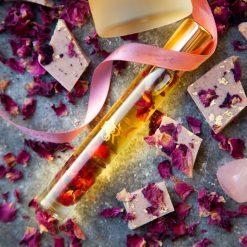 Awen Rose Pulse Kiss Pocket Perfume Oil for Emotional Safety - Rose Vanilla