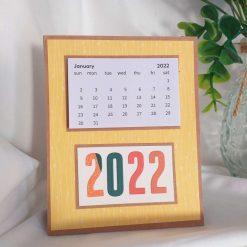 Desk top calendar