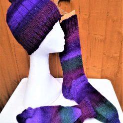 Half-length purple wool socks, 7-9 UK and matching beanie