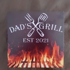 Personalized 'Dads Grill' sign